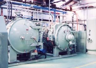 マルチフロー加圧ガス冷却型真空炉