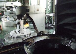 ピット型ガス浸炭・浸炭窒化炉